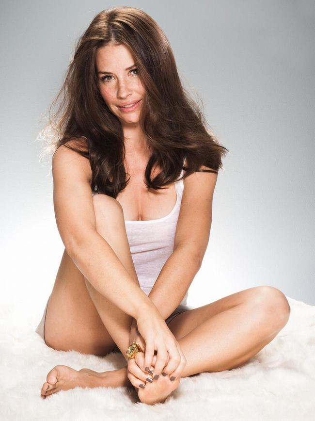 Canada Evangeline Lilly -gay-me-man-voi-nhung-hinh-anh-sieu-sexy7